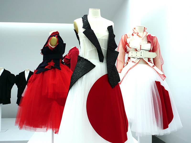Expo de Rei Kawakubo no museu Metropolitan