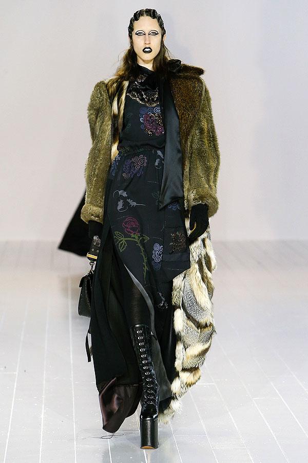 Lady Gaga e Kendall Jenner estrelam desfile de Marc Jacobs
