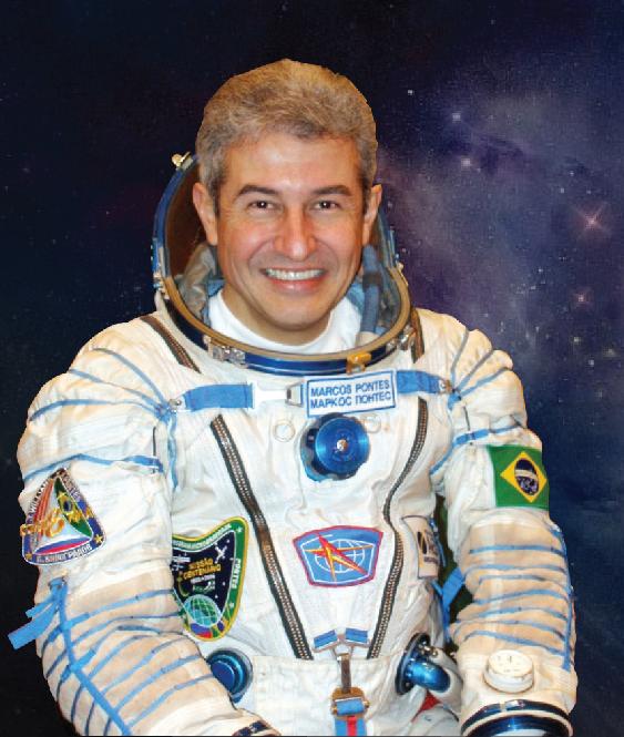 Astronauta Marcos Pontes recebe turistas no Kennedy Space Center